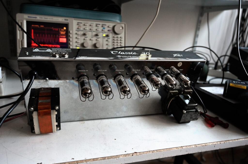 Amp chitarra Peavey 30 riparazione